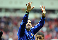 Pictured: Sunderland manager Gus Poyet thanks his supporters after the final whistle. Sunday 11 May 2014<br /> Re: Barclay's Premier League, Sunderland v Swansea City FC at the Stadium of Light, Sunderland, UK.