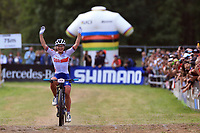 28th August 2021; Commezzadura, Trentino, Italy; 2021 Mountain Bike Cycling World Championships, Val di Sole;  Cross Country, Women Under 23, Evie Richards (GBR)