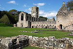 Great Britain, England, North Yorkshire, near Ripon: Ruins of 12th century Fountains Abbey and Studley Royal Water Garden, Yorkshire's first World Heritage Site