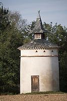 Europe/France/Midi-Pyrénées/81/Tarn/ Semalens: Pigeonnier Castrais