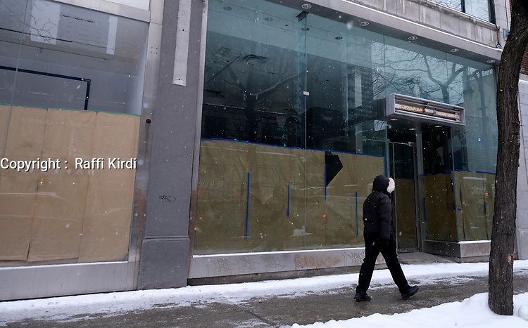 Commerce ferme au centre-ville de Montreal durant le covid 19, Janvier 2021<br /> <br /> PHOTO :  Raffi Kirdi - Agence Québec Presse