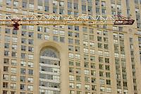 Condomimium tower construction<br /> in downtown Toronto.<br /> <br /> Photo : Pierre Roussel - Images Distribution
