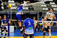 24-03-2021: Volleybal: Amysoft Lycurgus v Sliedrecht Sport: Groningen , het blok van Lycurgus speler Dennis Borst komt te laat