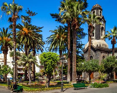 Spanien, Kanarische Inseln, Teneriffa, Puerto de la Cruz: Plaza de la Iglesia   Spain, Canary Islands, Tenerife, Puerto de la Cruz: Plaza de la Iglesia