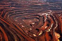 Mina de Ferro da Vale na serra dos Carajás.<br /> Carajás-Pará-Brasil<br /> Paulo Santos/ Acervo H<br /> 06/1999Negativo Cor 135mm N∫ 7152 T7 F10200 dpi/ 23 cm<br /> <br /> 124373 PASTA 1 CIA 3.TIF