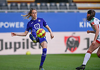 Tessa Wullaert (27) of Anderlecht pictured in action during a female soccer game between Oud Heverlee Leuven and RSC Anderlecht on the 2nd matchday of play off 1 in the 2020 - 2021 season of Belgian Womens Super League , saturday 17 th of April 2021  in Heverlee , Belgium . PHOTO SPORTPIX.BE | SPP | DAVID CATRY