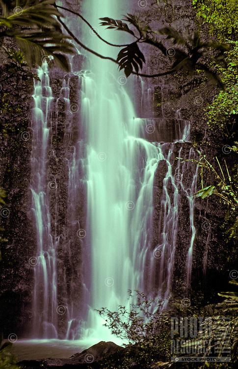 Spectacular Wailua Falls in lush surroundings near Hana, Maui.