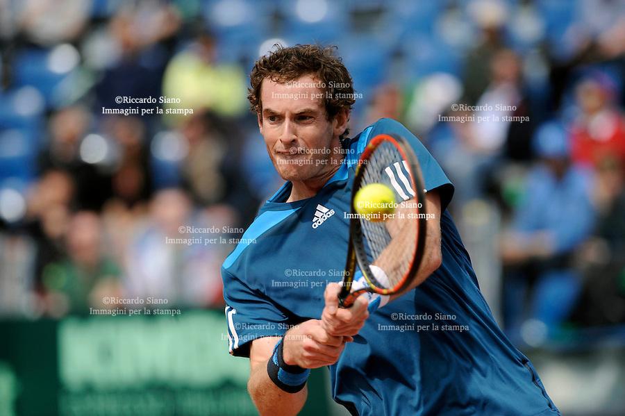 NAPOLI 5 APR - giornata della sfida di Coppa Davis tra Italia e Gran Bretagna nella foto l'incontro tra Andy Murray e Andreas Seppi NELLA