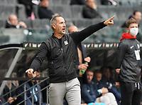 Trainer Adi Hütter (Eintracht Frankfurt)<br /> - 03.10.2020: Fussball  Bundesliga, Saison 20/21, Spieltag 3, Eintracht Frankfurt vs. TSG 1899 Hoffenheim, emonline, emspor, v.l. Deutsche Bank Park<br /> Foto: Marc Schueler/Sportpics.de <br /> Nur für journalistische Zwecke. Only for editorial use. (DFL/DFB REGULATIONS PROHIBIT ANY USE OF PHOTOGRAPHS as IMAGE SEQUENCES and/or QUASI-VIDEO)