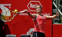 BOGOTA - COLOMBIA - FEBRERO 19: Lourdes Dominguez Lino de España, devuelve la bola a Catalina Castaño de Colombia, durante partido por la Copa de Tenis WTA Bogotá, febrero 19 de 2013. (Foto: VizzorImage / Luis Ramírez / Staff). Lourdes Dominguez Lino from España returns the ball to Catalina Castaño from Colombia during a match for the WTA Bogota Tennis Cup, on February 19, 2013, in Bogota, Colombia. (Photo: VizzorImage / Luis Ramirez / Staff)