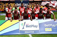 BOGOTA - COLOMBIA, 25-09-2021: Jugadores de Independiente Santa Fe posan para una foto antes de partido de la fecha 11 entre Independiente Santa Fe y Envigado F. C. por la Liga BetPlay DIMAYOR II 2021, en el estadio Nemesio Camacho El Campin de la ciudad de Bogota. / Players of Independiente Santa Fe pose for a photo priora match of the 11th date between Independiente Santa Fe and Envigado F. C., for the BetPlay DIMAYOR II 2021 League at the Nemesio Camacho El Campin Stadium in Bogota city. / Photo: VizzorImage / Luis Ramirez / Staff.