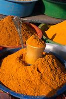 Gewürze auf Markt in Houmt Souk, Djerba, Tunesien