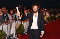VLADIMIR DE FONTENAY, LAUREAT DE LA MENTION SPECIALE DU GRAND JURY POUR LE FILM 'MOBILE HOMES' - 31EME FESTIVAL DE CABOURG 2017 . CABOURG, FRANCE, 18/06/2017. # 31EME FESTIVAL DE CABOURG 2017 - PHOTOCALL ET CLOTURE DU FESTIVAL