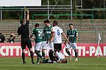 19.09.2020, Dietmar-Scholze-Stadion an der Lohmuehle, Luebeck, GER, 3. Liga, VfB Luebeck vs 1.FC Saarbruecken <br /> <br /> DFB REGULATIONS PROHIBIT ANY USE OF PHOTOGRAPHS AS IMAGE SEQUENCES AND/OR QUASI-VIDEO.<br /> <br /> im Bild / picture shows <br /> Schiedsrichter Lukas Benen (Nordhorn) zeigt Mirko Boland (VfB Luebeck) die Gelbe Karte fuer ein Foul an Kianz Froese (1.FC Saarbruecken)<br /> <br /> <br /> Foto © nordphoto / Tauchnitz