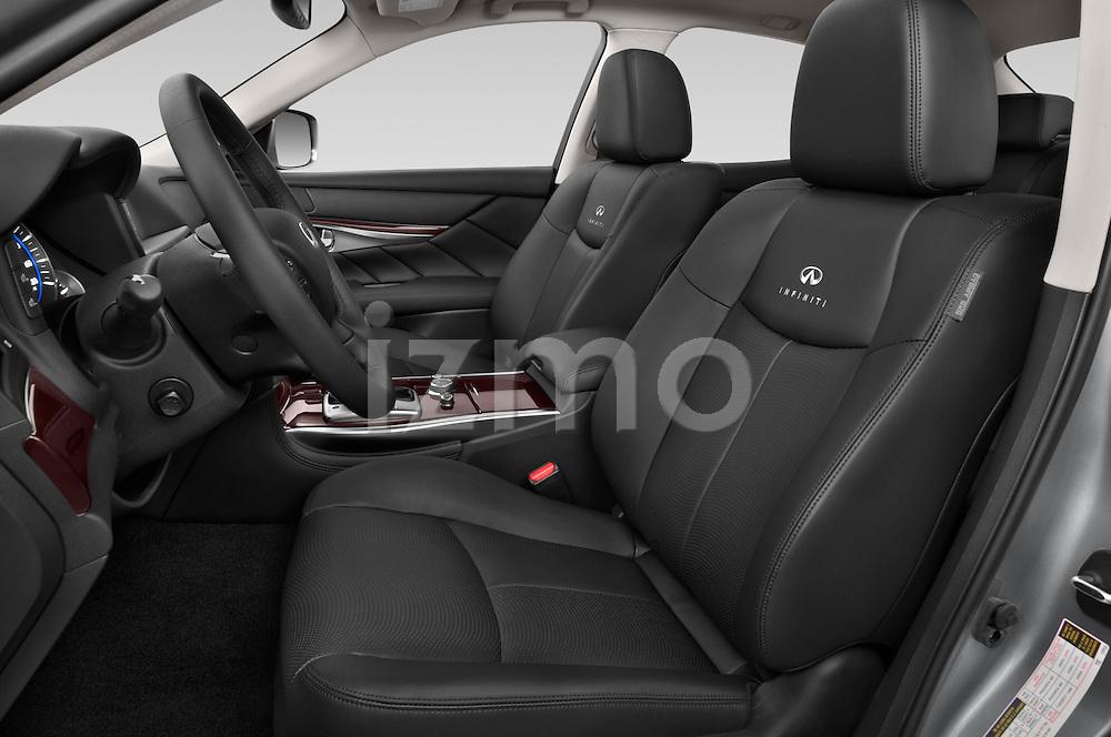 Front seat view of a 2015 Infiniti Q70 Base 4 Door Sedan Front Seat car photos