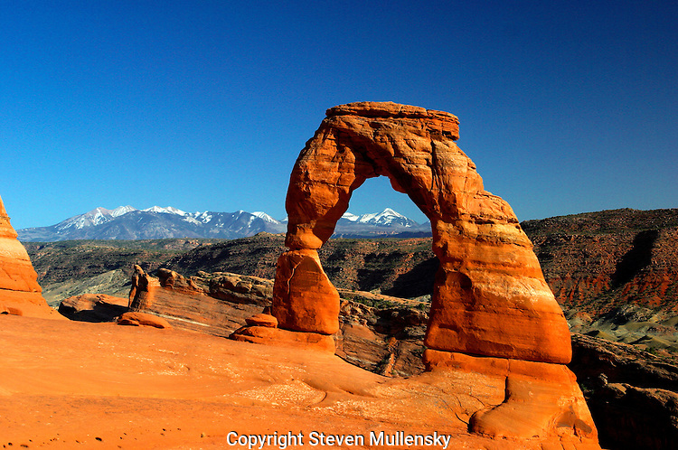 The Delicate Arch is the best known landmark in the state of Utah, near Moab. The formation is reproduced on the state's license plates.