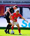 Fussball - 3.Bundesliga - Saison 2020/21<br /> Kaiserslautern -  Fritz-Walter-Stadion 03.04.2021<br /> 1. FC Kaiserslautern (fck)  - FC Halle (hal) 3:1<br /> Stipe VUCUR (hal), li - Elias HUTH (1. FC Kaiserslautern)<br /> <br /> Foto © PIX-Sportfotos *** Foto ist honorarpflichtig! *** Auf Anfrage in hoeherer Qualitaet/Aufloesung. Belegexemplar erbeten. Veroeffentlichung ausschliesslich fuer journalistisch-publizistische Zwecke. For editorial use only. DFL regulations prohibit any use of photographs as image sequences and/or quasi-video.