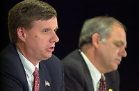 June 28, 2002, Montreal, Quebec, CANADA<br /> <br /> Thimothy J. Muris, Chairman of the Federal Trade Commission, USA (L) and Konrad Von Finckenstein, Commissioner of competition, Canada (R)<br />  adress the medias after taking part in a forum on International Mergers and Acquisitions, at the 8 th Conference of Montreal, June 28, 2002 in Montreal, CANADA<br /> <br /> Mandatory credit : Photo by Pierre Roussel - Images Distribution<br /> (c) : 2002,Pierre Roussel