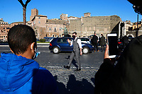 Actor Tom Cruise greeting his fans and making selfie with them on the set of the film Mission Impossible 7 at Imperial Fora in Rome. <br /> Rome (Italy), November 21st 2020<br /> Photo Samantha Zucchi Insidefoto