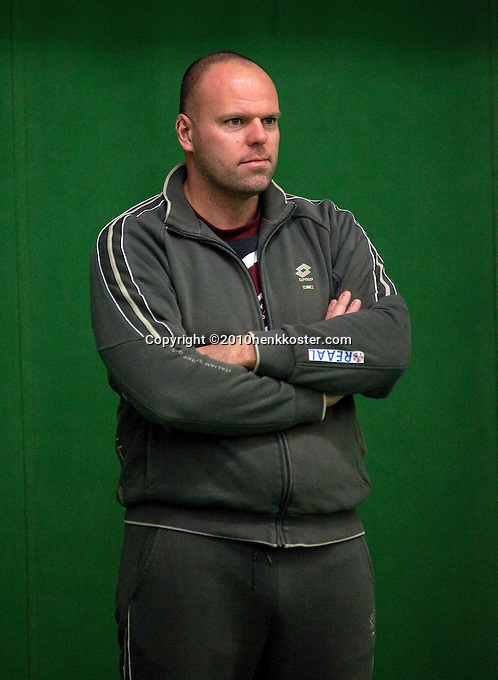 29-1-10, Almere, Tennis, Training Fedcup team, Raymond Knaap ass. coach jong oranje