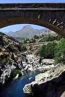 Brücke über den Golo bei Albertacce, Korsika, Frankreich