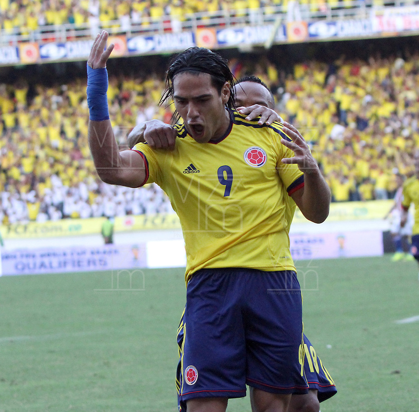 BARRANQUILLA-COLOMBIA.12-10-2012.Radamel Falcao García jugador  de la selección Colombia de fútbol de mayores.Encuentro con Paraguay ..Eliminatorias Brasil 2014.Team of Colombia soccer .Radamel Falcao Garcia player of Colombia soccer team in action .Macht Colombia between Paraguay.Brazil 2014 World Cup..Photo:VizzorImage/Felipe Caicedo. .