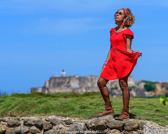 Aidelisa en Isla de Cabras #isladecabras #toabaja #puertorico #morro #red #naturallight #aidelisa