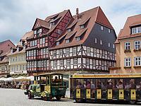 Markt mit Fachwerkhäusern, Quedlinburg, Sachsen-Anhalt, Deutschland, Europa, UNESCO-Weltkulturerbe<br /> halftimbered houses at Markt sqare in Quedlinburg, Saxony-Anhalt, Germany, Europe, UNESCO World Heritage