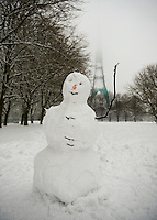 Snowman near Crystal Palace mast
