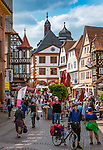 Deutschland, Bayern, Untergranken, Main-Spessart, Lohr am Main: Hauptstrasse mit dem alten Rathaus | Germany, Bavaria, Lower Franconia, Main-Spessart, Lohr am Main: main street with old town hall
