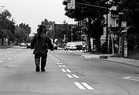 Photo d'archive de la police <br /> de Montreal,durant une alerte a la bombe,<br /> 12 Juin 1994<br /> <br /> PHOTO :  AGENCE QUEBEC PRESSE