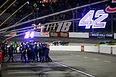 #19: Martin Truex Jr., Joe Gibbs Racing, Toyota Camry Auto Owners Insurance crew celebrates
