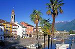 CHE, Schweiz, Tessin, Ascona am Lago Maggiore: Hafen und Promenade | CHE, Switzerland, Ticino, Ascona at Lago Maggiore: Harbour and Promenade