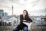 """Laura Poitras, US-amerikanische Dokumentarfilmregisseurin, fuer ihren Dokumentarfilm """"Citizenfour"""" ueber den Whistleblower Edward Snowden, erhaelt sie 2015 den Oscar in der Kategorie """"Bester Dokumentarfilm"""", Regisseurin, Portrait, Europa, Deutschland, Berlin<br /> <br /> Europe, Germany, Berlin, Filmmaker Laura Poitras above Berlin. Her documentary """"citizen four"""" about Edward Snowden just won the Oscar 2014."""