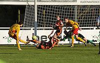 Racing Waregem - SK Deinze : Gwenny Opbrouck scoort de 1-1 gelijkmaker voor Waregem.foto VDB / BART VANDENBROUCKE