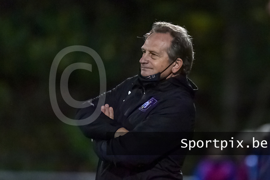 Anderlecht head coach Patrick Wachel pictured during a female soccer game between RSC Anderlecht Dames and AA Gent Ladies on the seventh matchday of the 2020 - 2021 season of Belgian Womens Super League , friday 13 th of November 2020  in Overijse , Belgium . PHOTO SPORTPIX.BE | SPP | STIJN AUDOOREN