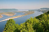 Green island and the village Upravlenchesky on the Volga near Samara