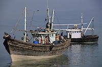 Asie/Inde/Env de Bombay/Elephant Island : Bateau des pêcheurs