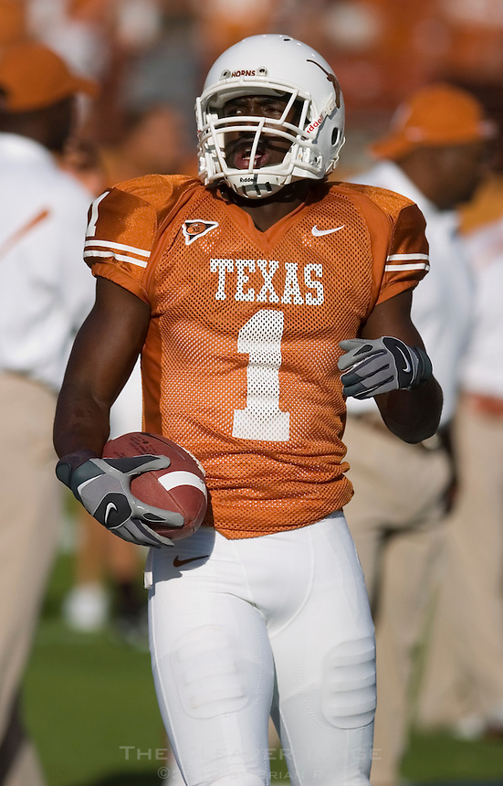 30 September 2006: Texas receiver Philip Payne warms up prior to the Longhorns 56-3 victory over the Sam Houston State Bearkats at Darrell K Royal Memorial Stadium in Austin, TX.