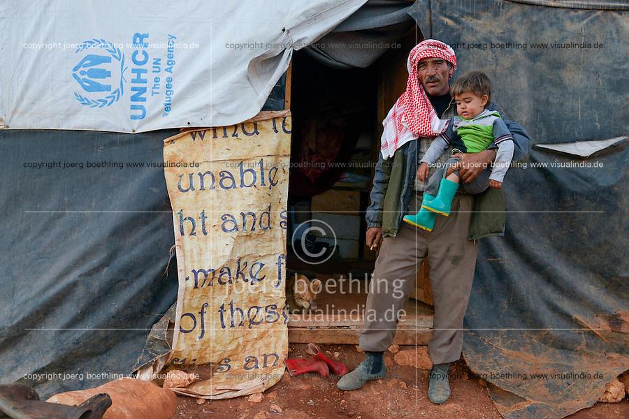 LEBANON Deir el Ahmad, a maronite christian village in Beqaa valley, syrian refugee camp / LIBANON Deir el Ahmad, ein christlich maronitisches Dorf in der Bekaa Ebene, Camp fuer syrische Fluechtlinge, Familie Bassimeh Al Rifai, die Tochter Roya Nayef geht zur Schule der Good Shephaerd sisters