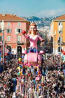 Nice le 19 Fevrier 2107 Place Massena unique sotie du Corso Carnavalesque Parada Nissarda de jour Green Queen
