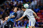 FC Internazionale Forward Stevan Jovetic (L) fights for the ball with Chelsea Defender Cesar Azpilicueta (R) during the International Champions Cup 2017 match between FC Internazionale and Chelsea FC on July 29, 2017 in Singapore. Photo by Marcio Rodrigo Machado / Power Sport Images