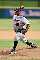 October 5, 2009:  Pitcher Lester Oliveros of the Detroit Tigers organization delivers a pitch during an Instructional League game at Space Coast Stadium in Viera, FL.  Photo by:  Mike Janes/Four Seam Images