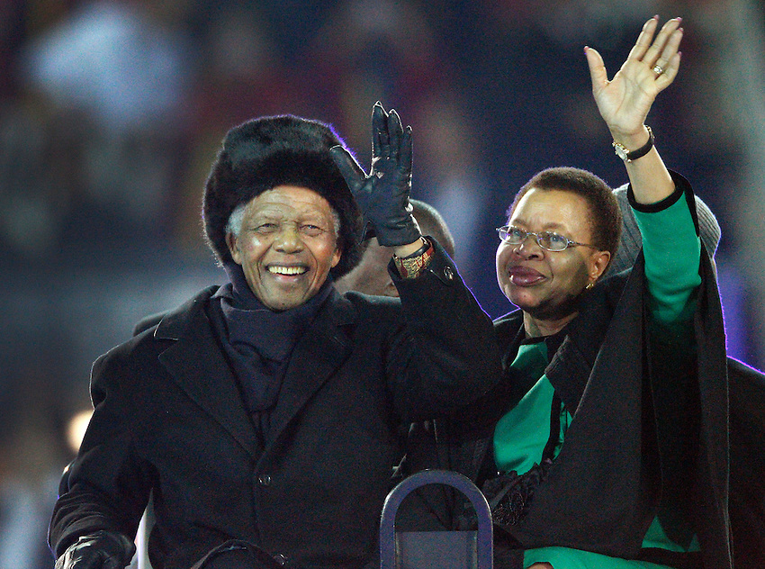 Johannesburg, 11-07-2010, World Cup Final, Nelson Mandela and his wife  wave to the crowd. .photo: Michael Kooren