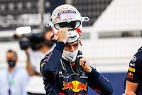 28th March 2021; Sakhir, Bahrain; F1 Grand Prix of Bahrain, Race Day;   VERSTAPPEN Max ned, Red Bull Racing Honda RB16B takes off his helmet afer finishing 2nd during Formula 1 Gulf Air Bahrain Grand Prix