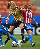 Kate Bennett (USA) and Mara Talavera (PAR)..FIFA U17 Women's World Cup, Paraguay v USA, Waikato Stadium, Hamilton, New Zealand, Sunday 2 November 2008. Photo: Renee McKay/PHOTOSPORT