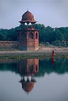 Indien, Uttar Pradesh, Agra, Yamuna-Fluss beim Taj Mahal