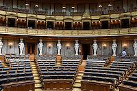Historischer Sitzungssaal im Parlament, Dr.-Karl-Renner-Ring 3, Wien, Österreich, UNESCO-Weltkulturerbe<br /> Historical Assembly Hall of the Parliament, Vienna, Austria, world heritage