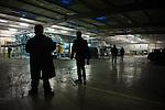 © Hughes Léglise-Bataille/Wostok Press.02.04.2010.Les salariés de Sodimatex de Crépy-en-Valois sont retranchés dans leur usine le 02/04/2010, menaçant de faire exploser une citerne de gaz, tandis que des négociations ont repris avec la direction, le maire, et le préfet de l'Oise. Les 92 salariés du fabricant de moquette pour l'automobile, dont la fermeture de l'usine a été programmée depuis 1 an, réclament un meilleur plan social.