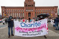 Ver.di-Streikdemonstration am Mittwoch den 26. August 2020 in Berlin von Mitarbeitern des Uniklinikum Charite in Berlin. Die Mitarbeiter arbeiten in der aus der Charite ausgelagerten Firma Charite Facility Management, CFM, und kaempfen seit Jahren fuer eine Wiedereingliederung in die Charite und einen Tarifvertrag nach dem TVoeD.<br /> Die Demonstranten zogen von der Charite zum Roten Rathaus.<br /> 26.8.2020, Berlin<br /> Copyright: Christian-Ditsch.de<br /> NUR FUER REDAKTIONELLE ZWECKE! Werbung nur auf Anfrage beim Fotografen. [Inhaltsveraendernde Manipulation des Fotos nur nach ausdruecklicher Genehmigung des Fotografen. Vereinbarungen ueber Abtretung von Persoenlichkeitsrechten/Model Release der abgebildeten Person/Personen liegen nicht vor. NO MODEL RELEASE! Don't publish without copyright Christian-Ditsch.de, Veroeffentlichung nur mit Fotografennennung, sowie gegen Honorar, MwSt. und Beleg. Konto: I N G - D i B a, IBAN DE58500105175400192269, BIC INGDDEFFXXX, Kontakt: post@christian-ditsch.de<br /> Bei der Bearbeitung der Dateiinformationen darf die Urheberkennzeichnung in den EXIF- und  IPTC-Daten nicht entfernt werden, diese sind in digitalen Medien nach §95c UrhG rechtlich geschuetzt. Der Urhebervermerk wird gemaess §13 UrhG verlangt.]